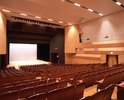 紀伊國屋書店:紀伊國屋サザンシアターTAKASHIMAYA 2020年8月公演のご案内